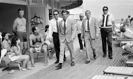 Frank Sinatra on the boardwalk