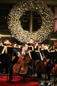 Yo-Yo Ma, Chicago Civic Orchestra give a pop-up concert in Chicago