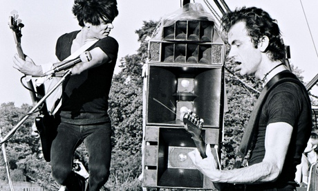 The Stranglers' Jean-Jacques Burnel andHugh Cornwell playing in Battersea Park in London in 1978