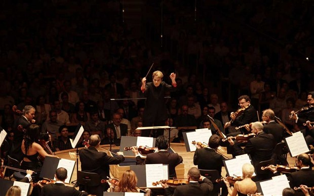Marin Alsop conducting the OSESP at Sala, Sao Paulo