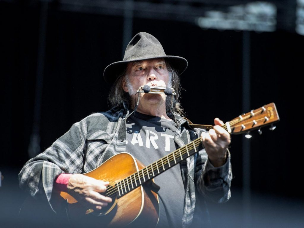 neil-young-2016