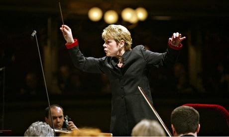 Marin Alsop conducts the Filarmonica della Scala orchestra